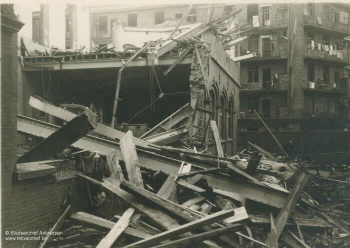 Trümmer in der Durletstraat nach dem Einschlag einer V-Bombe
