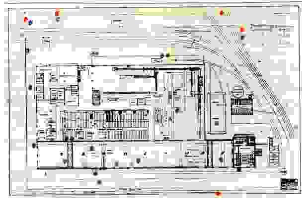 Karte der Ford-Fabrik, auf der die Bombeneinschläge eingezeichnet wurden